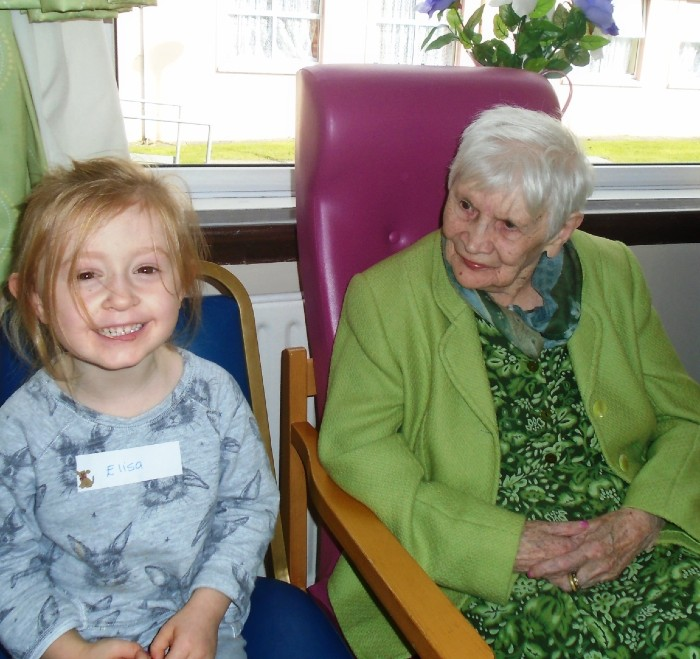 Pupil and resident bond at the Leitrim nursing unit